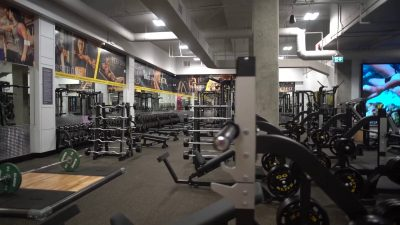 golds gym broadway