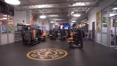 golds gym langley