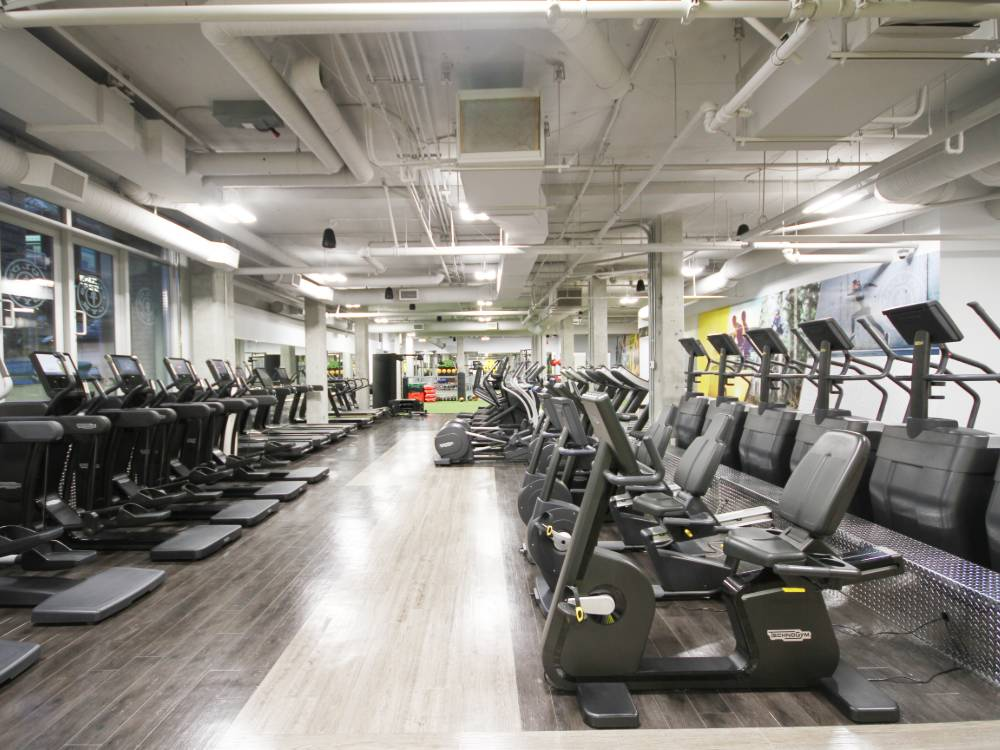 Why you should go to Gold's Gym in Vancouver?